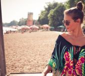 Long hair: 3 hairstyles to wear at the beach