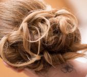 How do you successfully create an unstructured chignon?