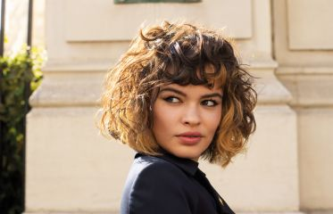 On trend hairstyles that bring volume to fine hair