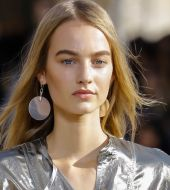 Hairstyle: is 2016 the end of the middle parting?