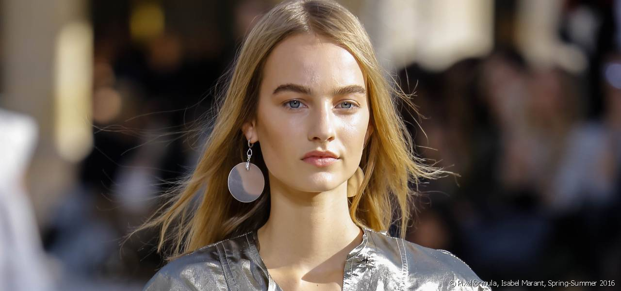 Is the middle parting on trend?