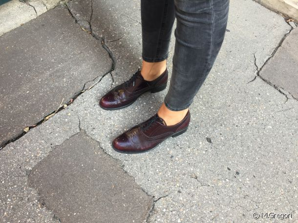 A great combo: masculine derbies with skinny jeans.