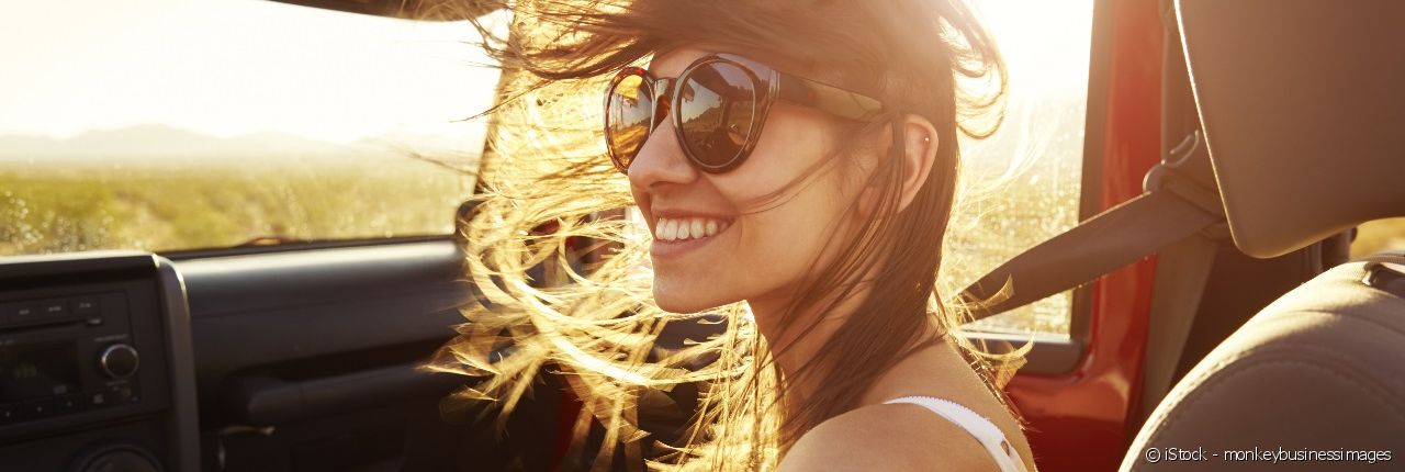 What to do to protect your hair when going on a windy outing in a convertible or on a boat