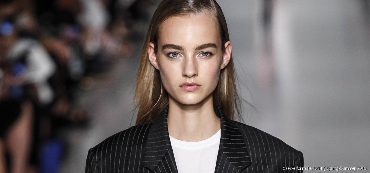 How to recreate the poker straight look seen at the DKNY fashion show?