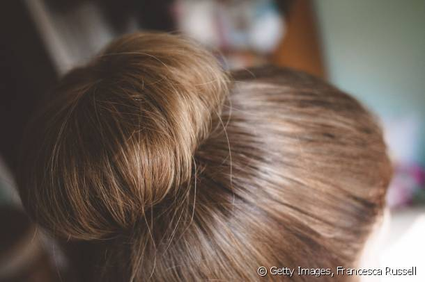 A closer look at the chignon bun!