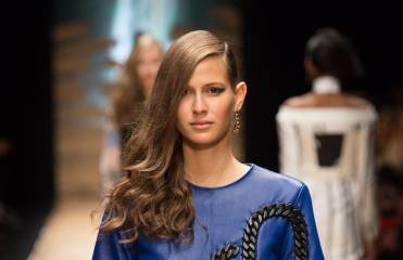 How to create the side-swept hairstyle from the Guy Laroche fashion show?