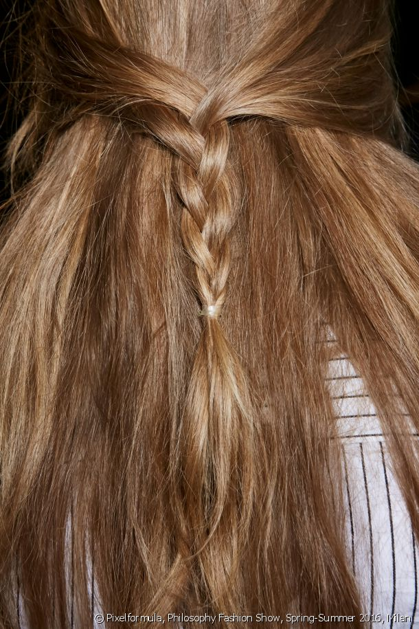 The plaited half-ponytail.