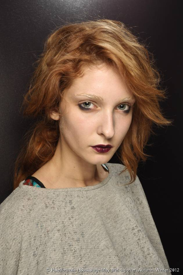 Make-up for red hair