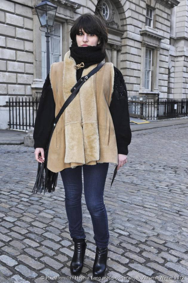 The snood, the alternative to the winter hat