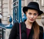 Streetstyle: Styling your hair with a hat