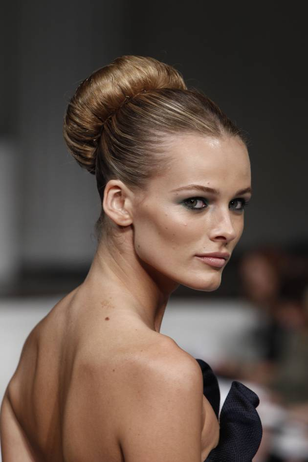 """Chic"" up your chignon bun"