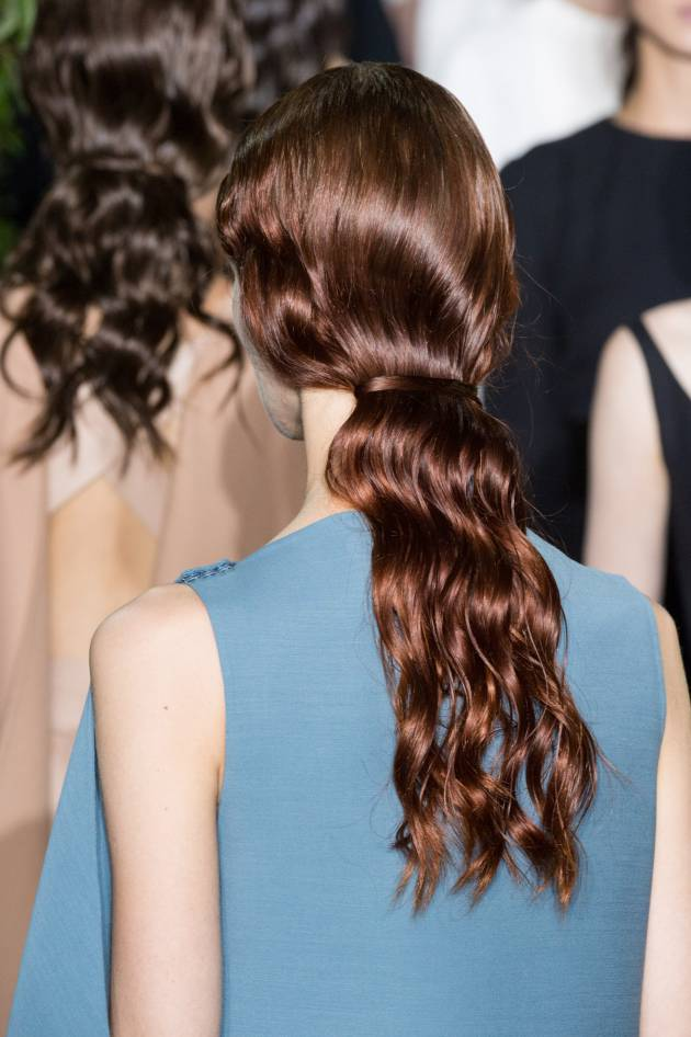 The no-hair-tie ponytail spotted on the runway