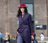 Streetstyle: the berry-colored hat