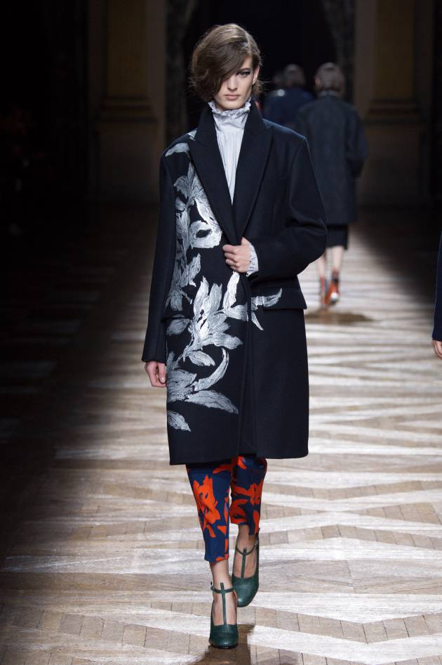 Inspiration behind the Dries Van Noten catwalk: gothic romanticism