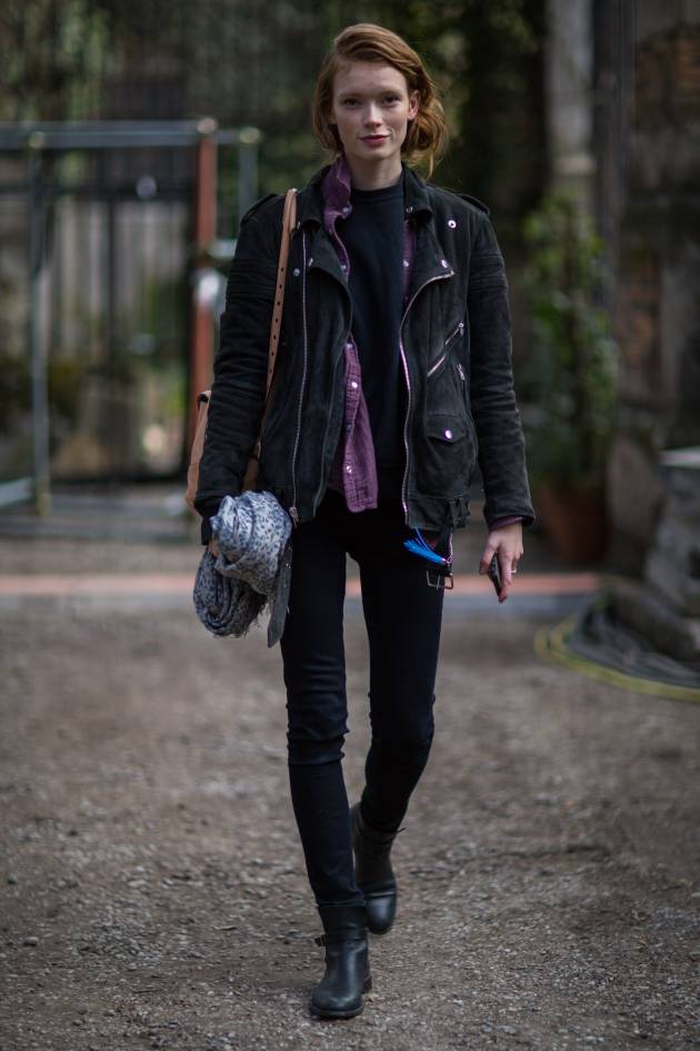 Streetstyle: the messy side bun