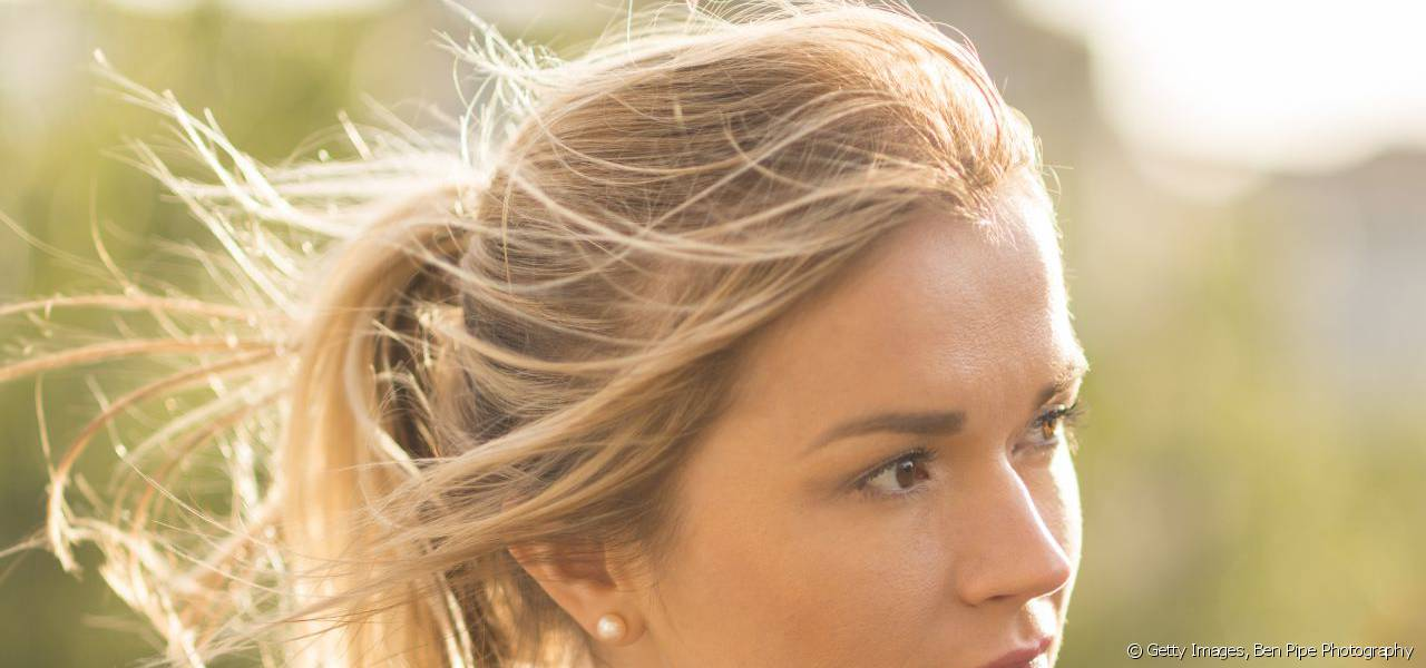 Find out how to enhance your ponytail to personalise your look.
