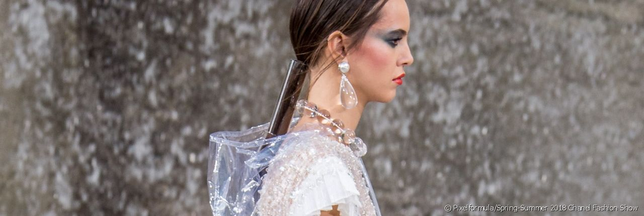 The encased ponytail: Spring-Summer 2018's IT hairstyle.
