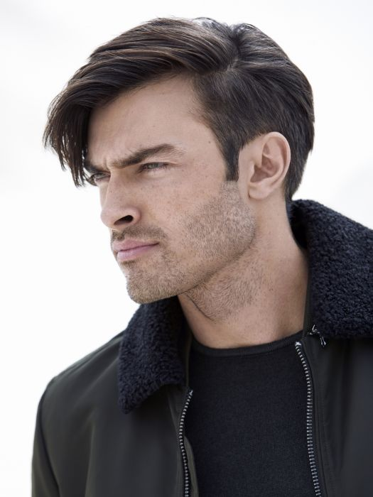Thanks to this undercut for men, the styled front section will be your new favourite irresistible feature. Styled towards the front, side-swept or even slicked back, it is up to you to play with different looks!