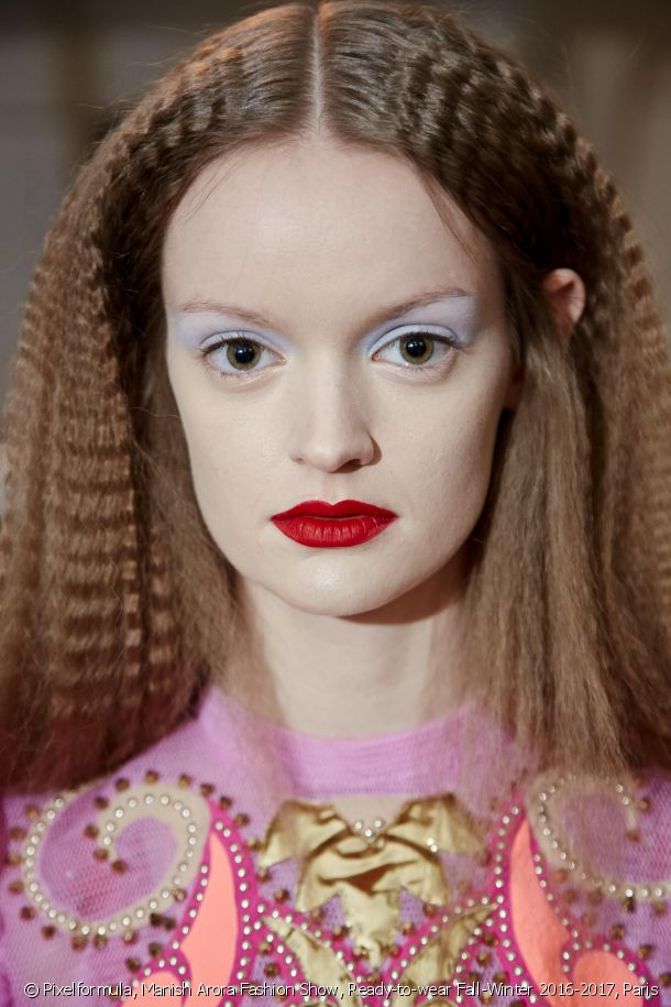 Dare to try all-over crimped locks.