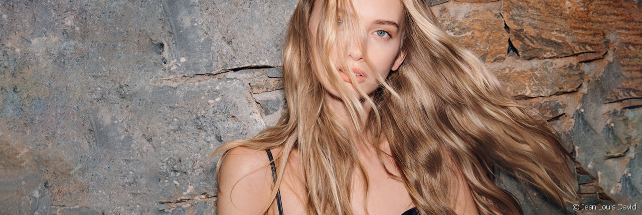 The unstructured loose wavy look