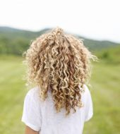 Curly hair: 3 easy to create hairstyle ideas