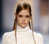 Trend: the tight braid