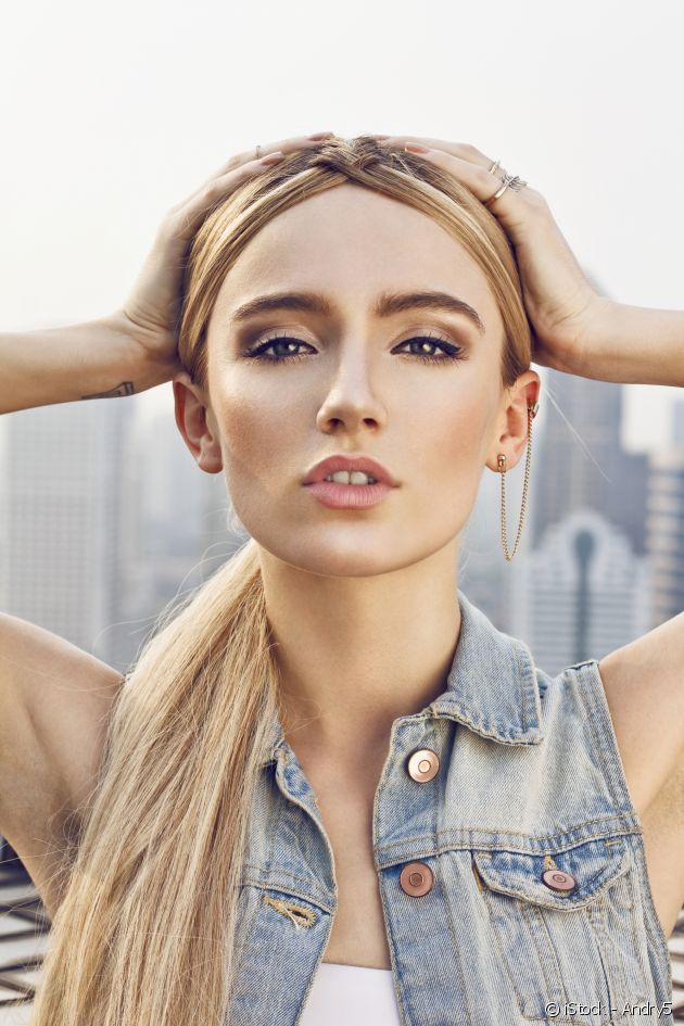 The secrets to creating the slicked-back effect for blondes