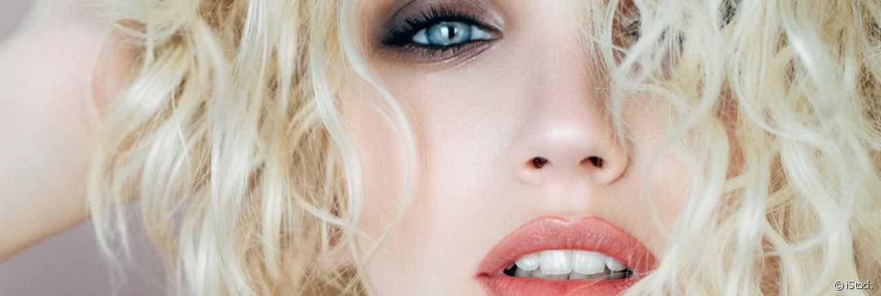 Find out all the secrets on how to boost the volume of your fine blond hair