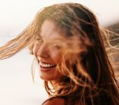 Leaving your hair to dry naturally: what are the advantages?