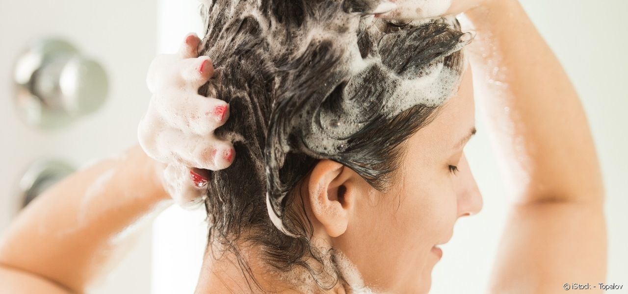 Find out when it is worth leaving your shampoo to work before rinsing