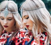 Hair jewellery: 3 hairstyles to inspire you