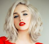Wanted: the platinum blond bob
