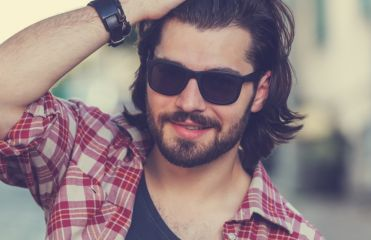 3 tips for men who want to let their hair grow out