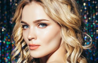 2017 New Year's Eve hairstyles: 3 ideas for adding style to loose locks