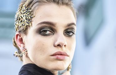 Is the brooch the new must-have hair accessory?