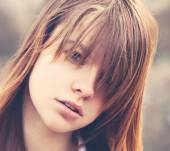 Bangs: tips for choosing the right one and how to wear it right