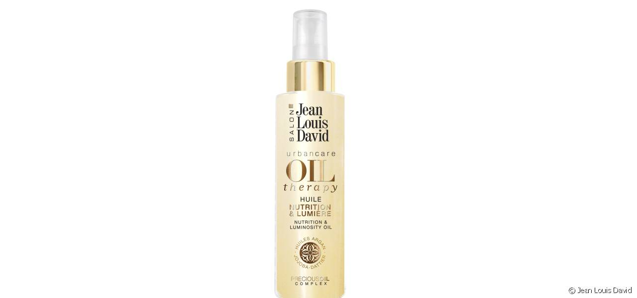 The Nutrition & Luminosity Oil for shiny hair.