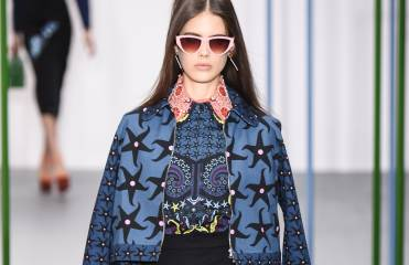 What are the on trend accessories for Spring 2016?