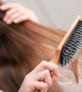 Choosing a flat hair brush