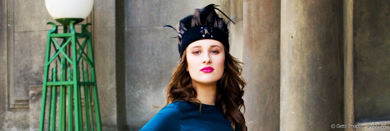 Dare to try a headband to enhance your outfit.