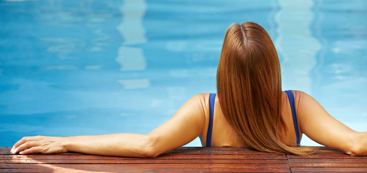 Protect your hair from chlorine