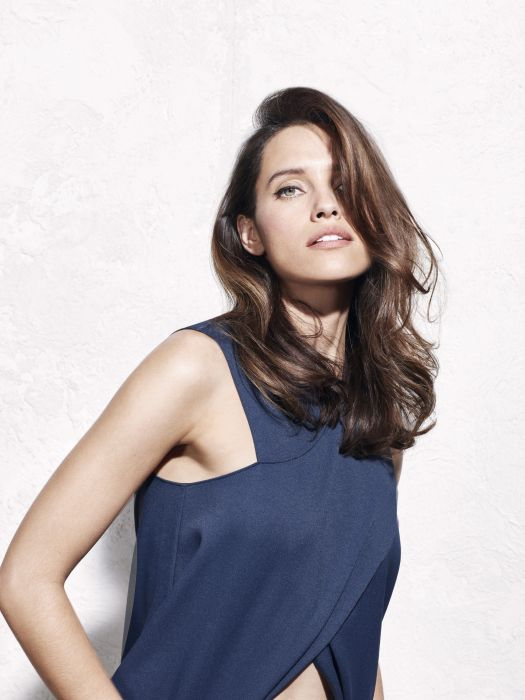 Soft and seductive blow-dried waves for long hair.