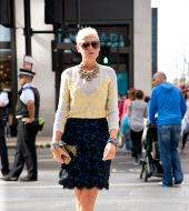 Streetstyle: ice blond on short hair