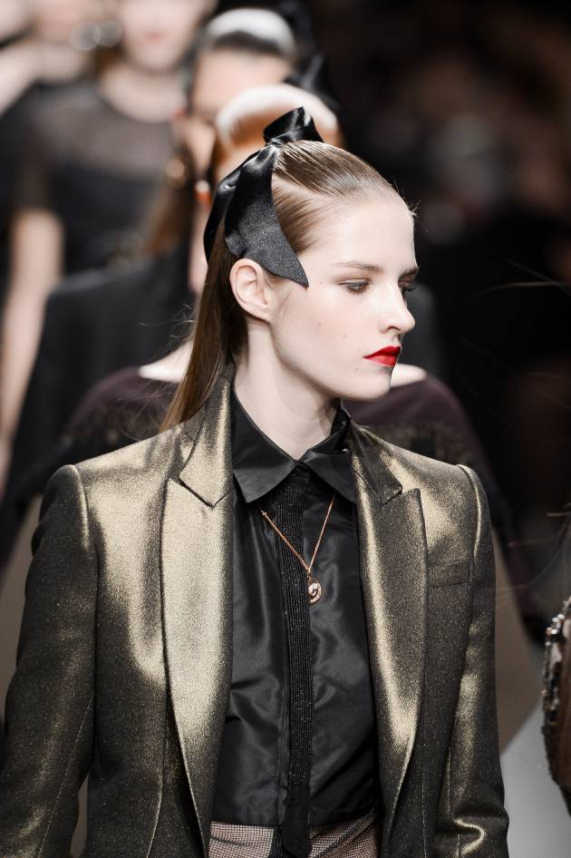 Spotted on the catwalks: the satin ribbon