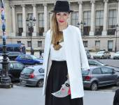 Streetstyle: How to wear side-hair with a hat