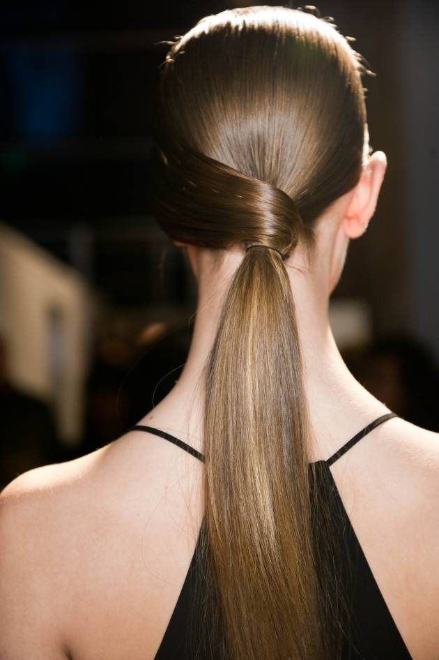 2 quick tricks to hide your hair tie