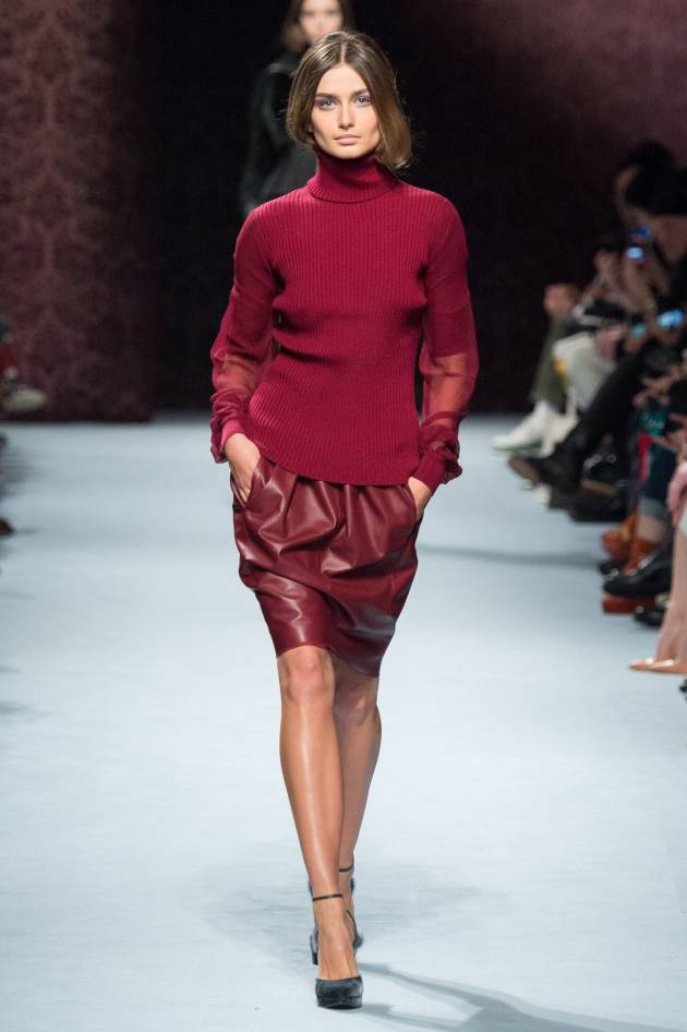 Tucking hair into your sweater: the next big thing?