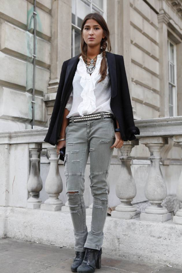 Streetstyle: secure your lengths with a loose plait