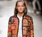 Spotted at Fashion Week: the return of the zig-zag hairband