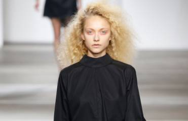 Runway to reality: relaxed frizz